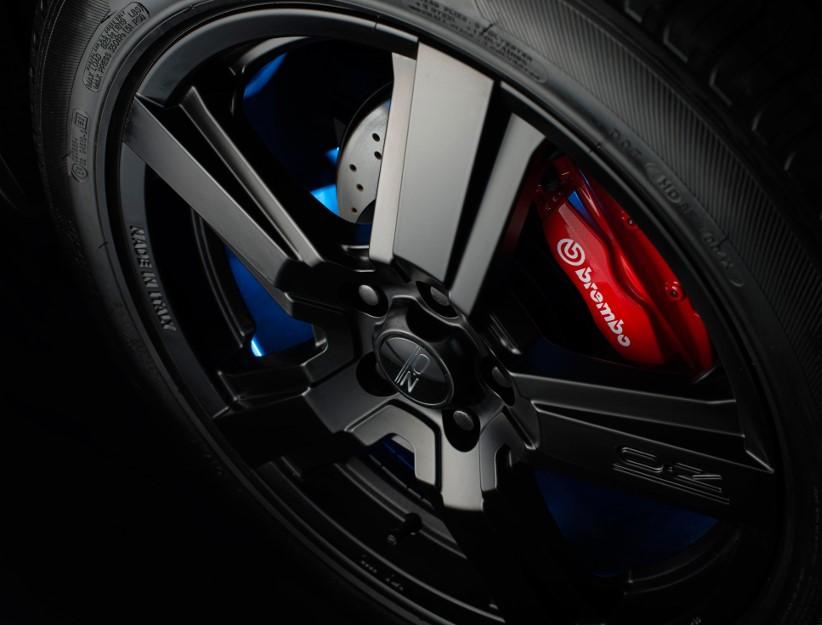 Hyundai muscles up with Santa Fe SR