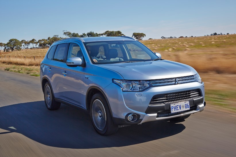 Mitsubishi Outlander PHEV awarded Green Car of the Year