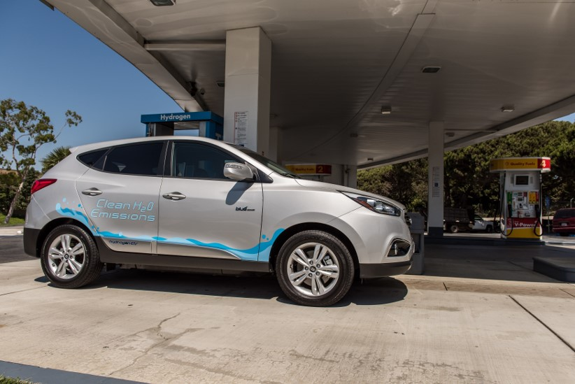 Hyundai ix35 Fuel Cell drivers accumulate more than two million zero-emission miles