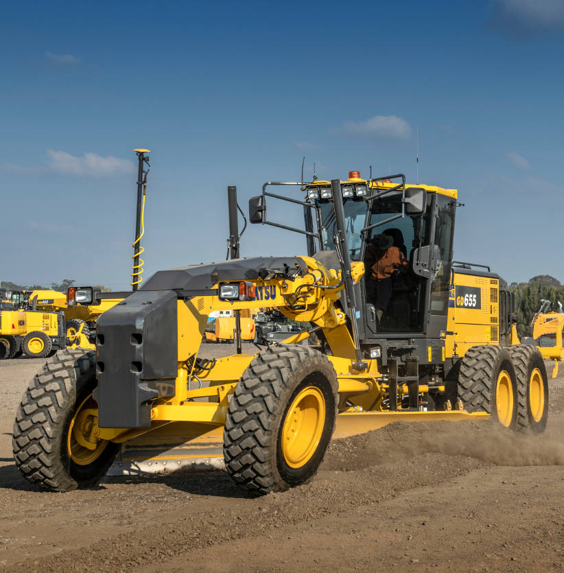 Komatsu's new contractor-focused GD655-7 grader