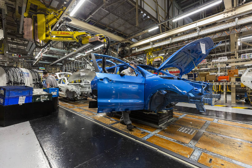 Coronavirus: Car production halts at Ford, VW and Nissan