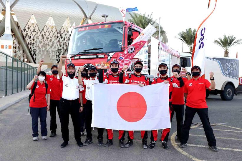 A dozen Dakar wins for Hino